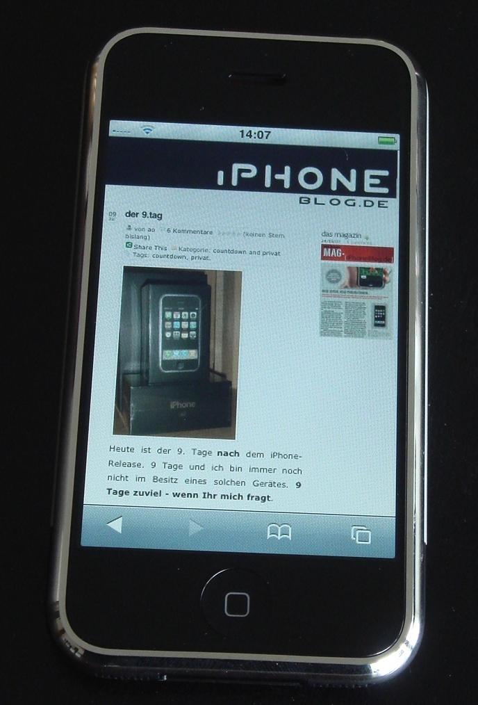 iphoneblog-on-iphone.JPG