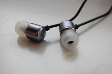 ultimate-ear2.jpg