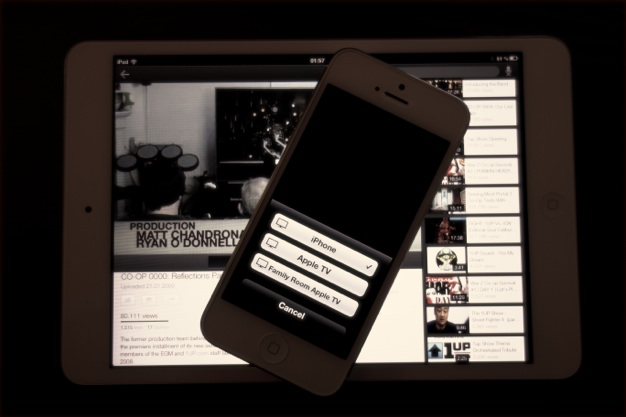 IPhoneBlog de YouTube iPhone5 and AirPlay Glory